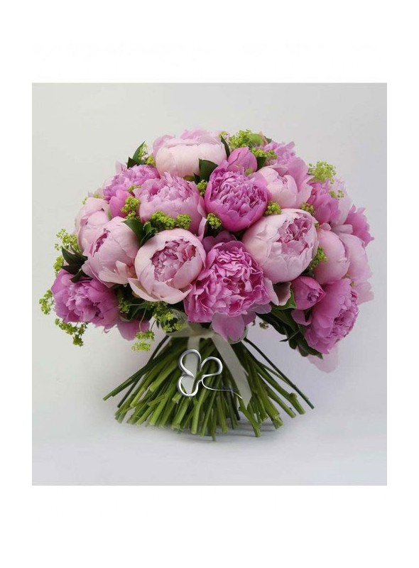 Bouquet di peonie con varie tonalità di rosa.