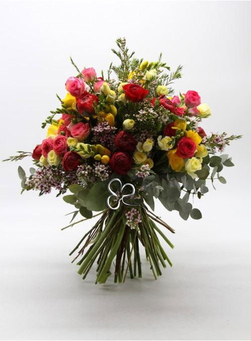 Bouquet di alstroemeria dai colori vivaci misti.